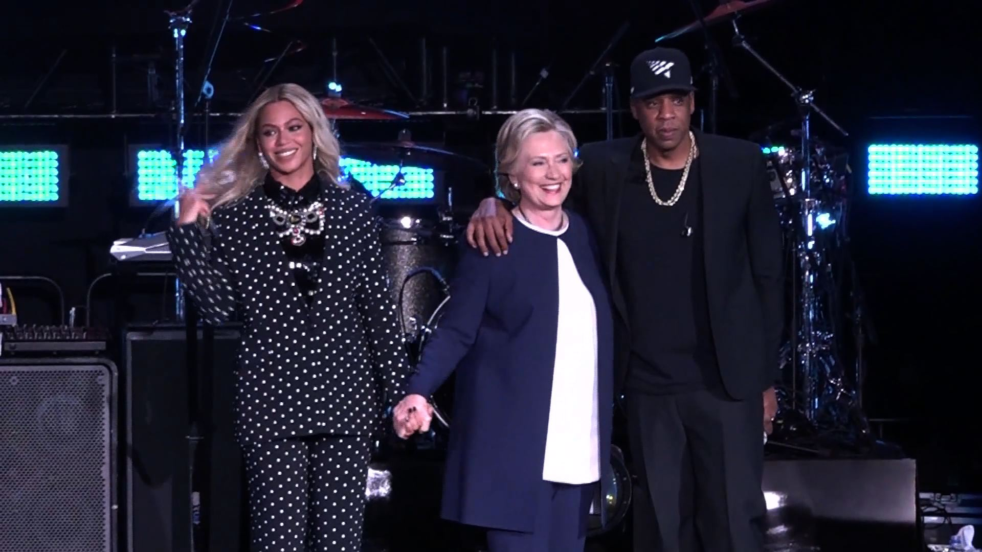 Clinton gets megastar Jay-Z and Beyoncé endorsement
