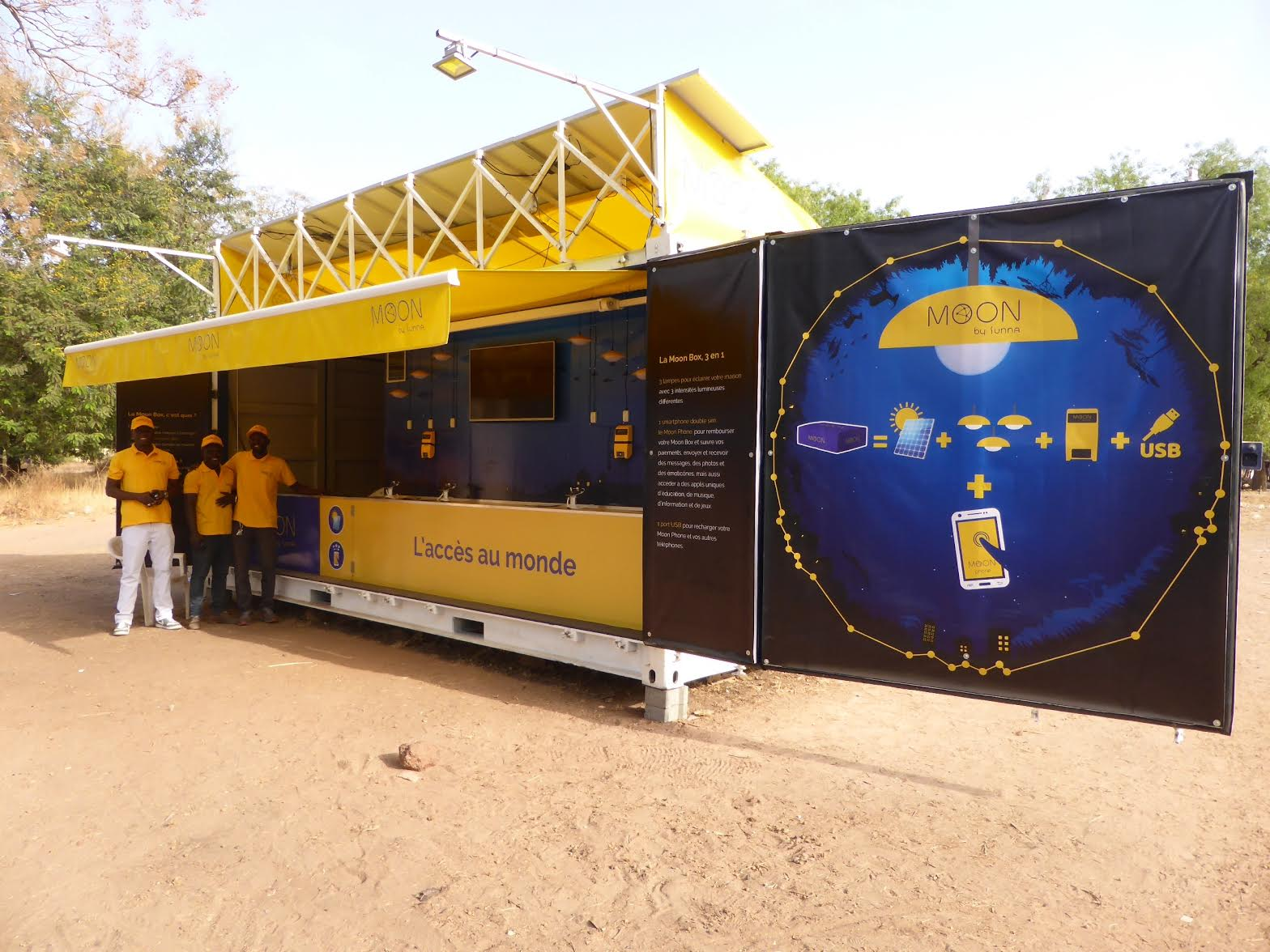 Sunna Design innovates for African villages with an unprecedented offer combining access to energy and digital content