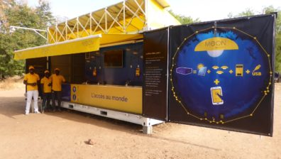 Sunna Design innove pour les villages africains avec une offre  inédite  associant accès à l'énergie et contenus digitaux